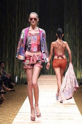 Modern batik - Edward Hutabarat