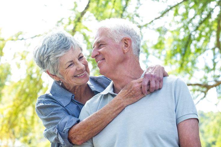 Selv om der er nok at bekymre sig om – sygdom, ensomhed, døden – så bekymrer vi os mindre og mindre, jo ældre vi bliver, viser ny undersøgelse. Det handler om øget robusthed, men også om en generel sygeliggørelse af alderdommen, som ikke holder stik, mener fagfolk