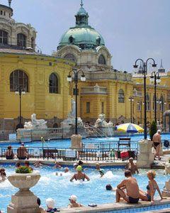 The Széchenyi Bath, Budapest City Park