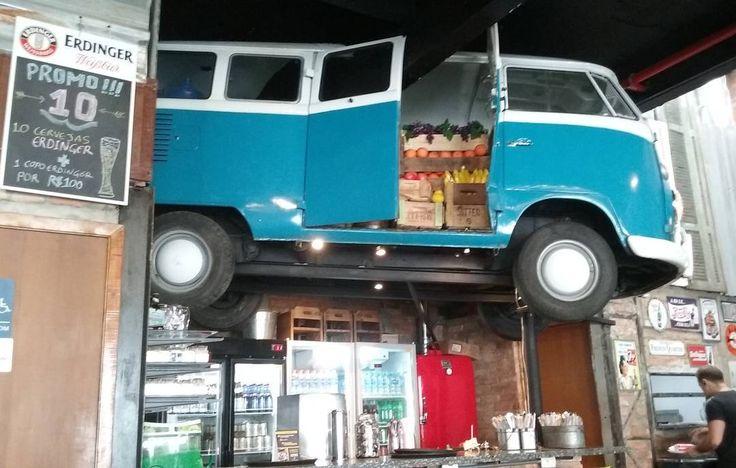 vw bus restaurant deco