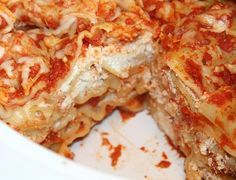 Quick and Easy Crockpot Lasagna Recipe - really good! Cooked on low for 7 hours