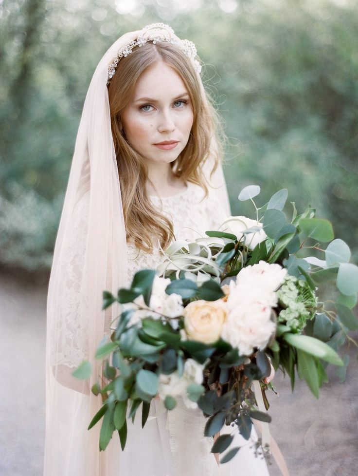 Breathtaking Bridal Headpieces and a Desert Bridal Shoot from Mignonne Handmade