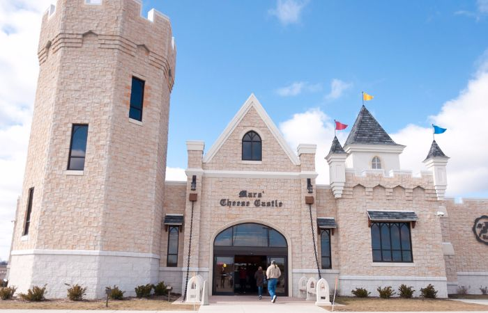 Mars Cheese Castle – A Most Fascinating Cheese Shop Known For Varieties