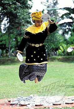 Piring Minangkabau dance or dance of plates (Bukittinggi region), Sumatra island - Indonesia
