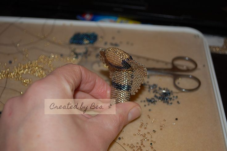 My project. Cobra for Cleopatra. Part of a larger project Polish Beaders: http://bizuteryjkidlawosp.pl/nadchodzi-krolowa/#more-4177