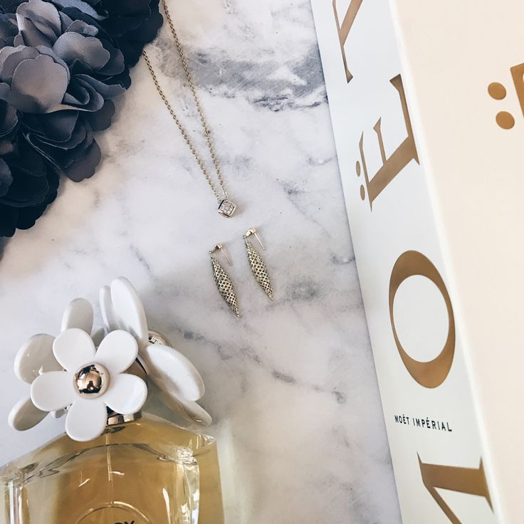 Happy Adelaide Cup Day to those lucky Adelaide people getting a public holiday today! Here are our race day essentials. #mazzucchellis #jeweller #jewellery #adelaidecup #raceday #moet #fashion #style #canadiangold #gold #diamonds #diamond #goldearrings #pendant #diamondpendant #goldpendant #love