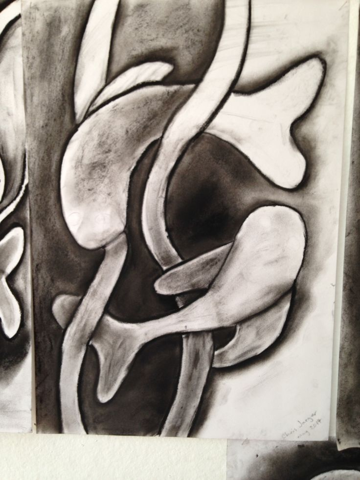 Learning with charcoal to achieve light and dark.