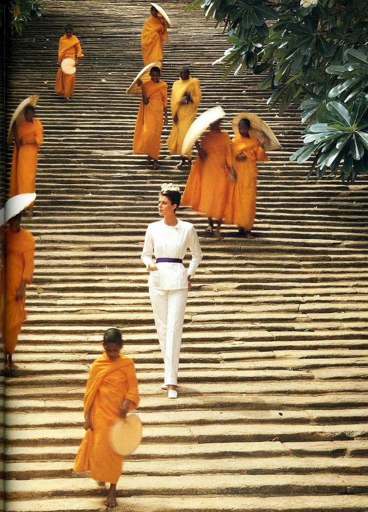 Pilar Crespi, photo by Norman Parkinson, Sri Lanka 1980