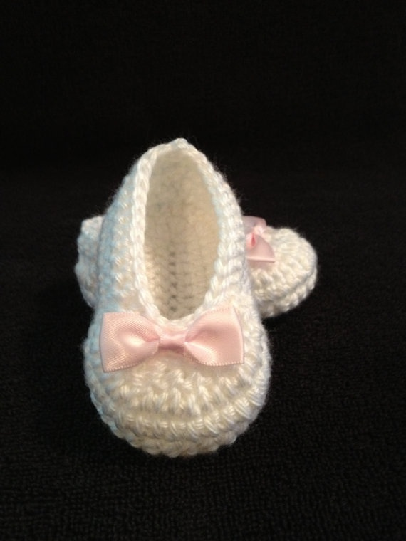 Crochet baby booties baby girl ballet slippers 0 to by SevenSkeins, $15.00