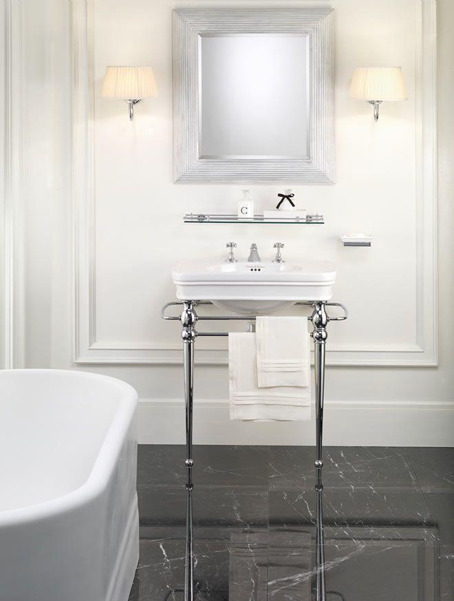 Oltre 25 fantastiche idee su stile inglese su pinterest arredamento in stile vecchia - Consolle bagno classico ...