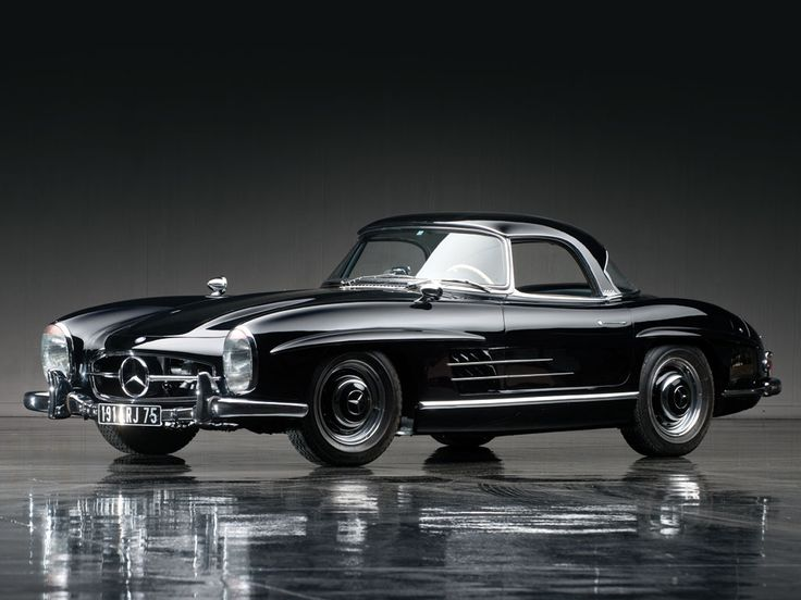 1961 Mercedes-Benz 300SL Roadster | The Don Davis Collection 2013 | RM AUCTIONS