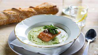 Ole Martin Alfsens aspargessuppe med bakt ørret