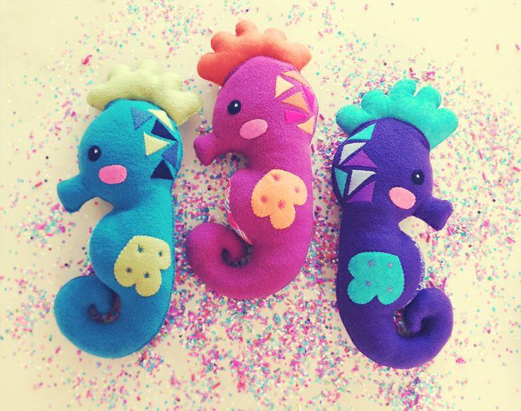 Caballitos de mar. Plush toys.