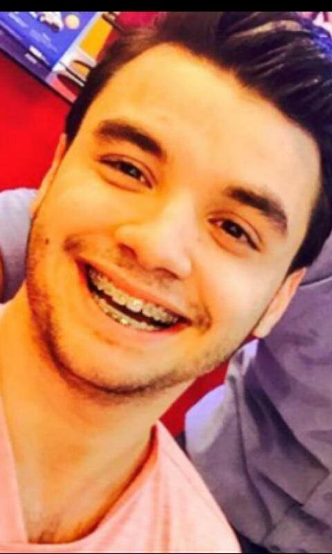 @Marama_Agustin  Agustín : Si me caigo me levantas?  Yo: No Agustin: Porque?!  Yo: Jamas te dejaría caer   Amor
