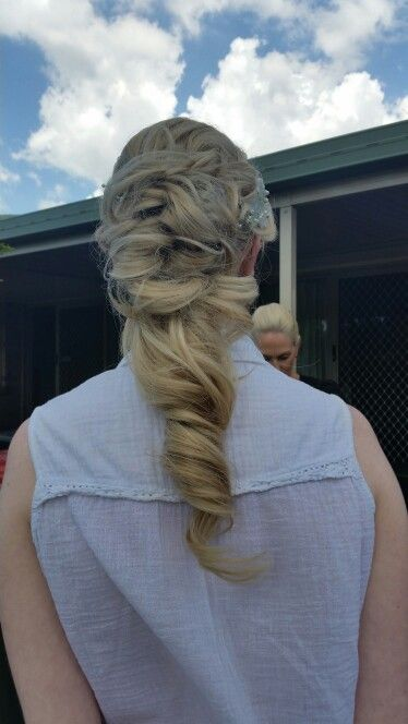 Bridal hair by Belle's Boutique Hair