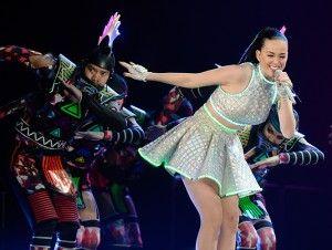 Tras su participación en el medio tiempo del Super Bowl, la cantante estadunidense Katy Perry llevará su gira por primera vez a Chile. La presentación se realizará el 6 de octubre en la Pista Atlética del Estadio Nacional de Santiago, donde interpretará sus éxitos en medio de un espectáculo lleno de disfraces y color. […]