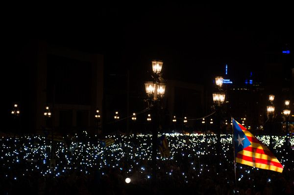 People create light with their mobile phones during the 'Junts pel Si' (Together for the Yes) coalition closing rally on September 25, 2015 in Barcelona, Catalonia. The main Catalanist parties, Catalan Democratic Convergence 'Convergencia Democratica de Catalunya' party (CDC) and Republican Leftist of Catalonia 'Esquerra Republicana de Catalunya' party (ERC) have joined together to form a Catalan pro-independence coalition 'Junts pel Si' (Together for the Yes).