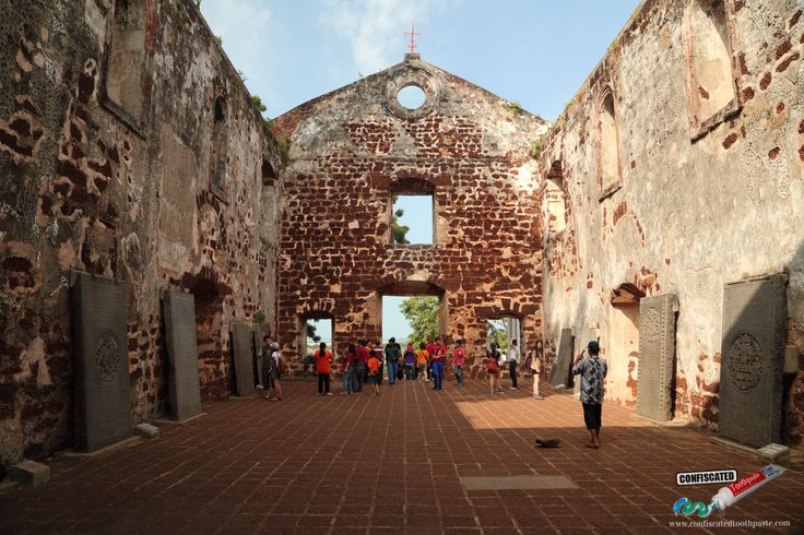 St Paul's Church   :::::The Colonial Romance of Malacca: Kuala Lumpur to Singapore Overland --> http://www.confiscatedtoothpaste.com/kuala-lumpur-to-romantic-malacca-to-singapore-overland/