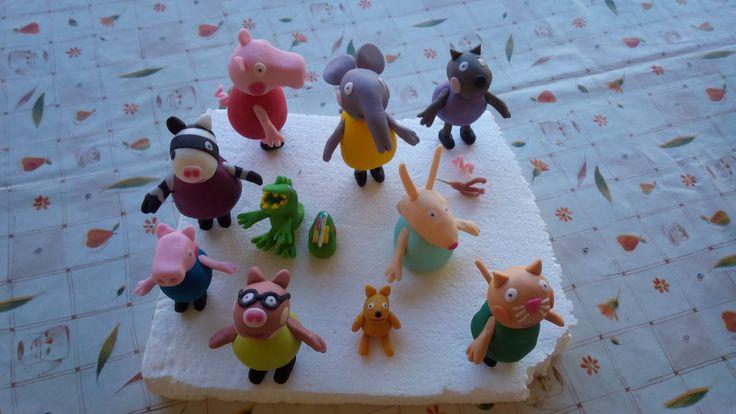 #Torta in #pdz #pastadizucchero di #Peppapig con #Peppa e tutti i suoi #amici in #cakedesign