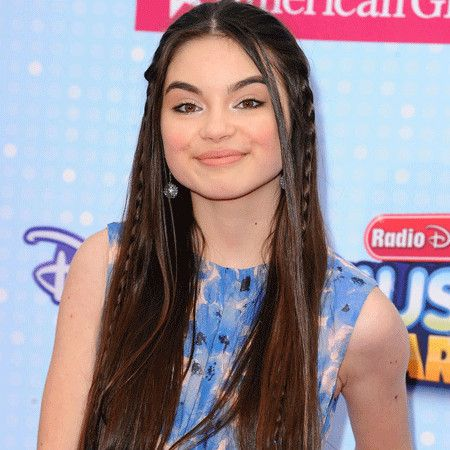 Landry Bender wiki, affair, married, Lesbian with age