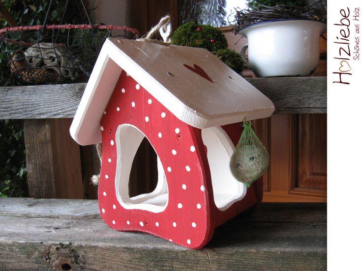"""Futterhaus Vogelhaus """"Punkte rot weiß"""" von Holzliebe auf DaWanda.com"""