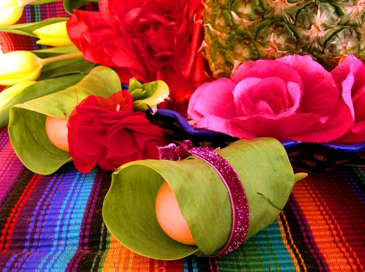 7 forelements pomysly na wielkanocne dekoracje swiateczny stol easter deoration ideas holiday table interior design bold saturated colors projektowanie kolorowy wystroj wnetrz boho etno