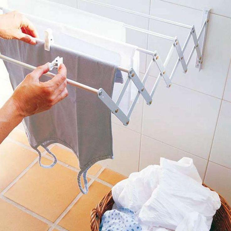 TIL TØYVASK : De færreste har vel plass til et stort tørkestativ på badet, men denne lure løsningen tar ikke stor plass.