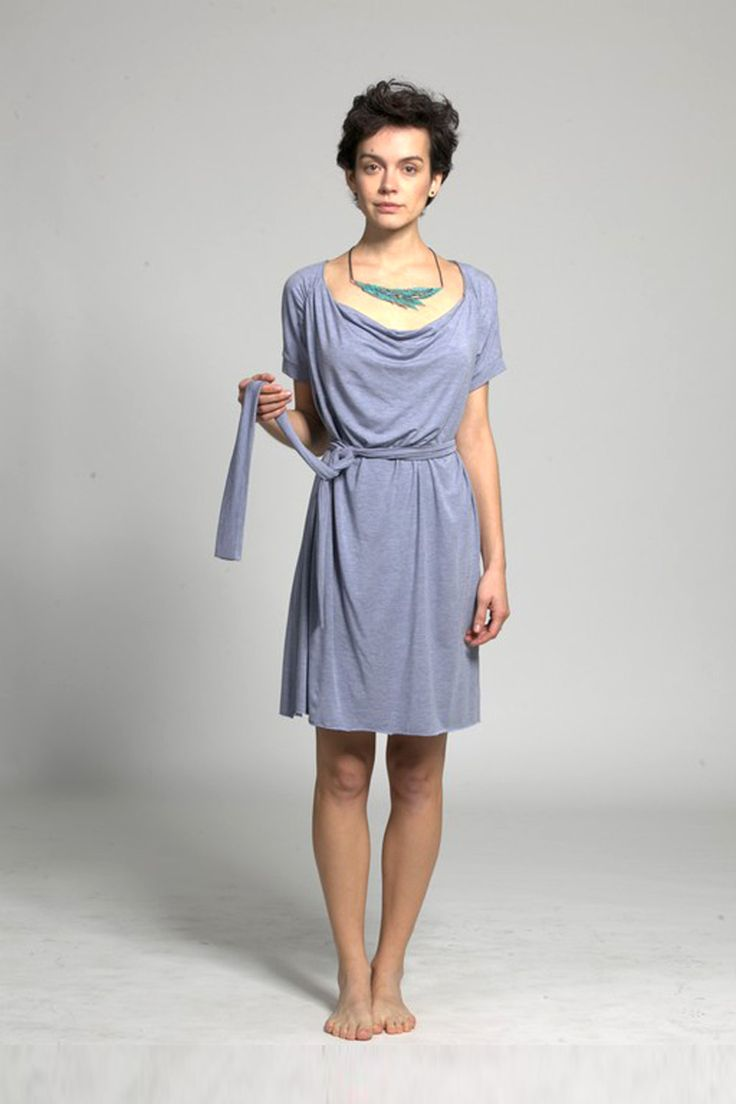 Tall dresses range incorporates a variety of different styles, from relaxed floral tea dresses to figure-hugging pencil shapes. With on-trend features like details and bold graphic prints, many of our dresses for tall girls are ideal for wearing from day to night, and can be dressed up or down with a few smart accessory choices.