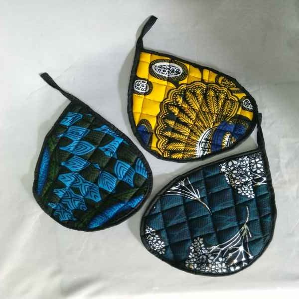 Kitchen mitts by Aromas of Zanzibar available at www.nuerasamp.com.