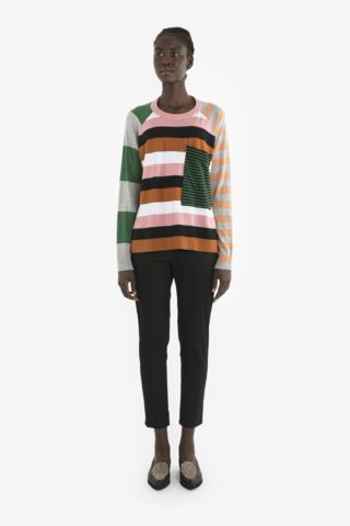 FREDI SWEATER and HELENE PANT from Obus Spring17 | A raglan-sleeve Obus cotton knit sweater with contrast stripes on the back, front, sleeve and pocket.