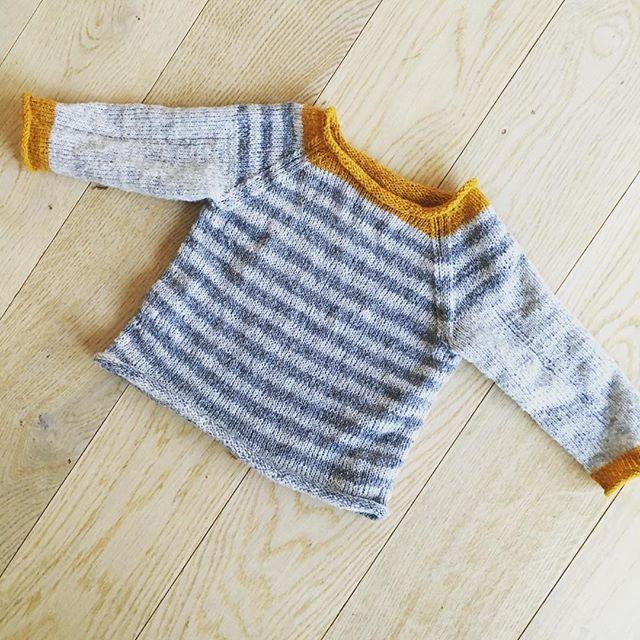 Så. Fra november har jeg bare strikket av restegarn. Små plagg og store plagg…