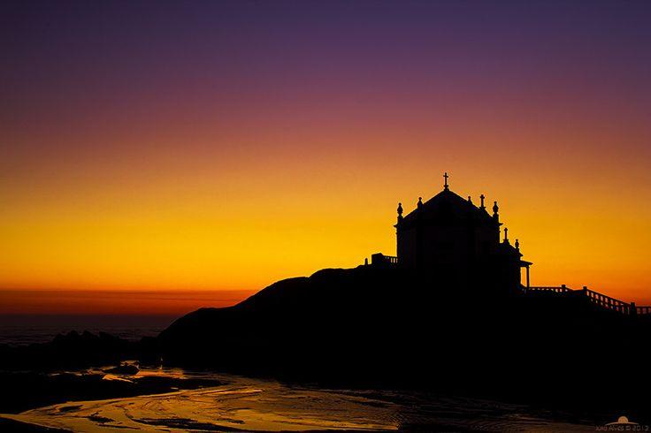 This is the sanctuary of Senhor da Pedra, in Gulpilhares, near Vila Nova de Gaia in Portugal. Photo by Júlio Alves on 500px