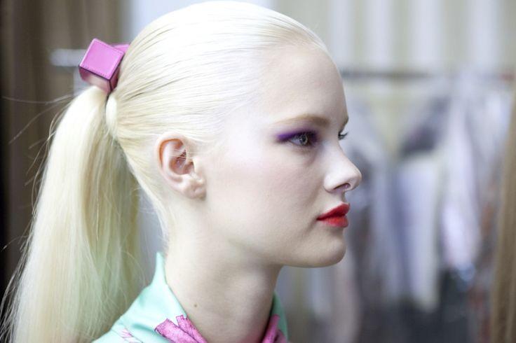 Hannah Holman Model Fashion Pale Blonde White Hair