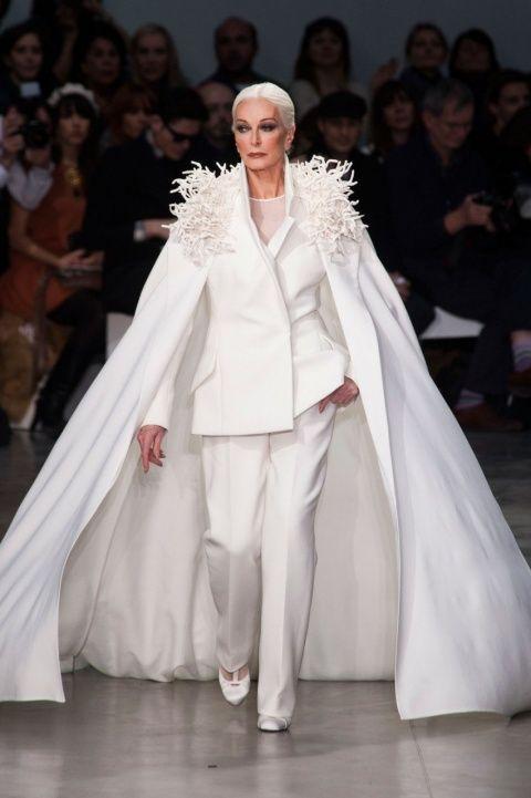 Кармен Делль'Орефайс: нестареющая красота!