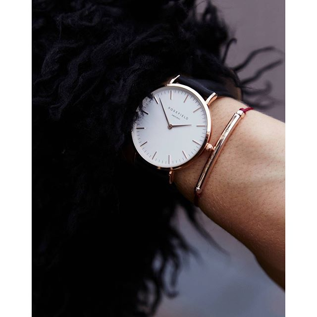 17 best ideas about montre femme cuir on pinterest montre cuir montre wellington and montre. Black Bedroom Furniture Sets. Home Design Ideas