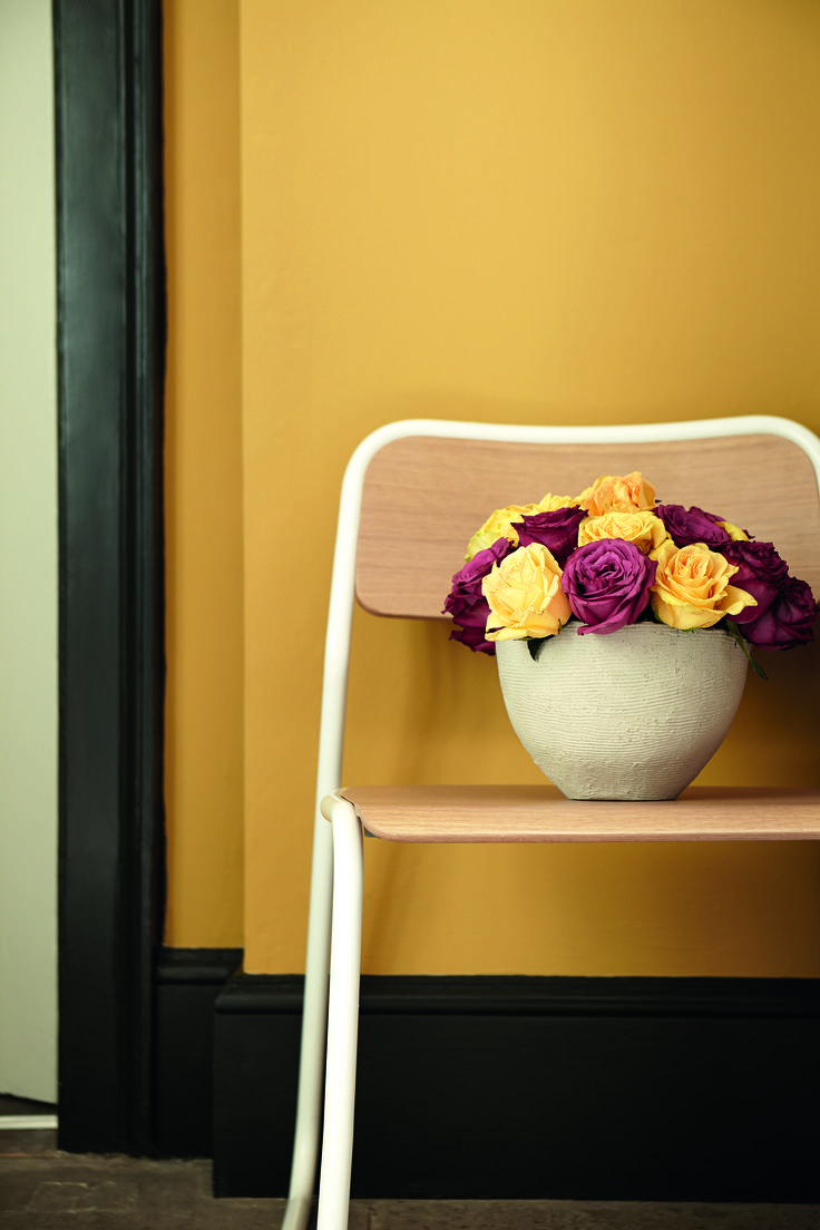 Verfkleur Yellow Pink van LITTLE GREENE www.littlegreene.nl | verf | historische kleur | paint | goud | okergoud | woonkamer | slaapkamer | muur | interieur | styling