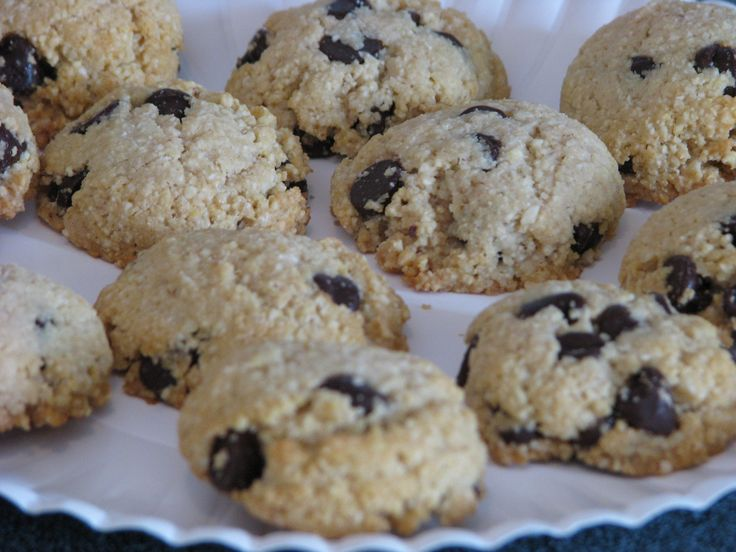 """This recipe was not in theTrim Healthy Mama book,but a link was shared on the Facebook group page. I tweaked this recipe a bit to use Truvia and they really turned out great! Enjoy! Chocolate Chip Cookies – """"S"""" 3 cups almond flour 2 tablespoons coconut flour 1 teaspoon baking soda 1/2 teaspoon sea salt […]"""