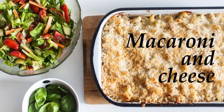 En super lækker cremet macaroni and cheese serveret med en crunchy salat med en sherry vinaigrette - https://foodgeek.dk/da/macaroni-and-cheese/