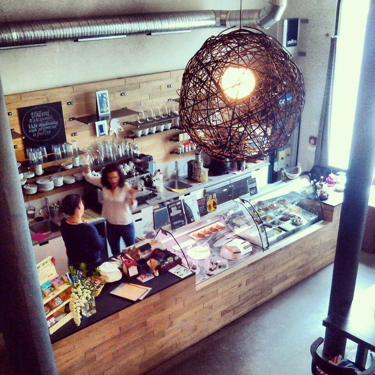 Long Tale Café