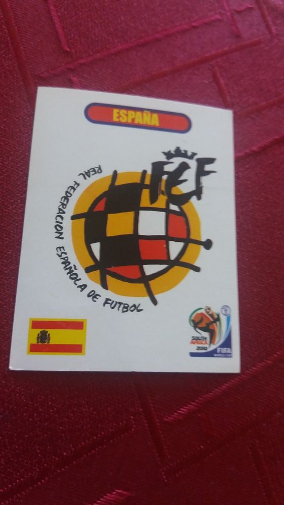 SPAIN Badge RFEF Real Federacion Espanola de Futbol #NN Sudafrica 2010 Peru