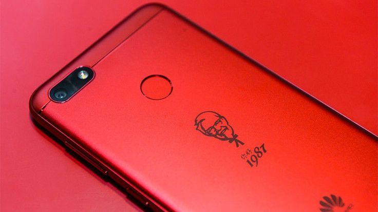 È tutto vero: Huawei ha lanciato il telefono Kentucky Fried Chicken https://www.sapereweb.it/e-tutto-vero-huawei-ha-lanciato-il-telefono-kentucky-fried-chicken/        Non c'è dubbio: il nuovo smartphone di Huawei fa davvero venire voglia di leccarsi le dita. KentuckyFried Chicken, il colosso mondiale del pollo fritto, ha scelto il brand cinese per realizzare uno smartphone che celebra i suoi primi trent'annidi vita in Cina. Kentucky Fried Chicken...