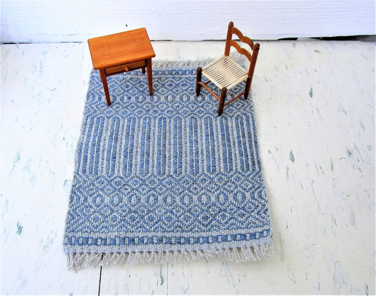 Silver and Blue Hand Woven Table Rug, Miniature Dollhouse Rug. Rose Path threading. Wool weft, silk warp. 7″ by 9.25″ including fringe