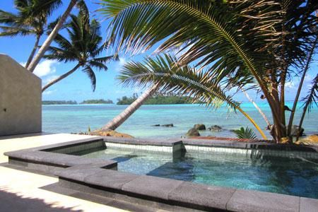 Holidaying in Rarotonga doesn't get any better than booking your stay in a Beachfront Villa Suite at Te Manava Luxury Villas and Spa!