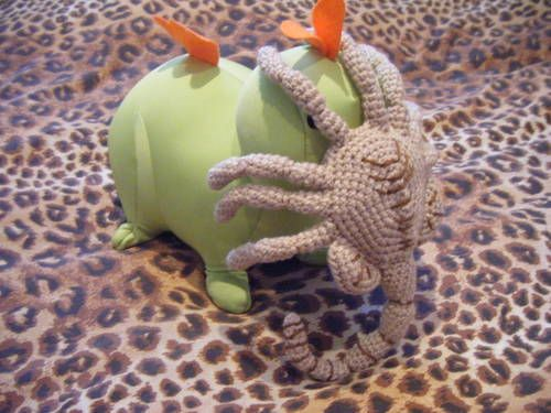 Alien face hugger Crochet I like from others Pinterest ...