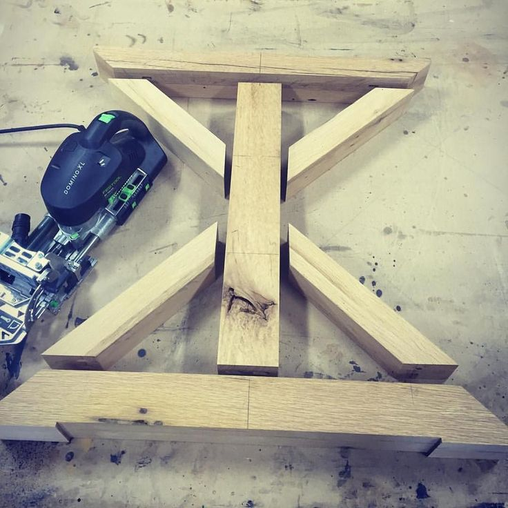Little project by @sean.fagan with the Festool domino and some oak. Looking forward to seeing this finished  #englishcarpentry #carpentry #carpenter #woodwork #joinery #proudcarpenter #proudtobeacarpenter #perfection #topwork #skills #design #wood #tools #festool #domino #oak de englishcarpentry