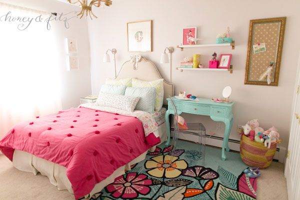 LOVE the PBteen in this bedroom!