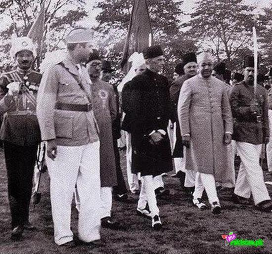 Quaid e Azam arriving for the adoption of Pakistan Resolution March 23, 1940