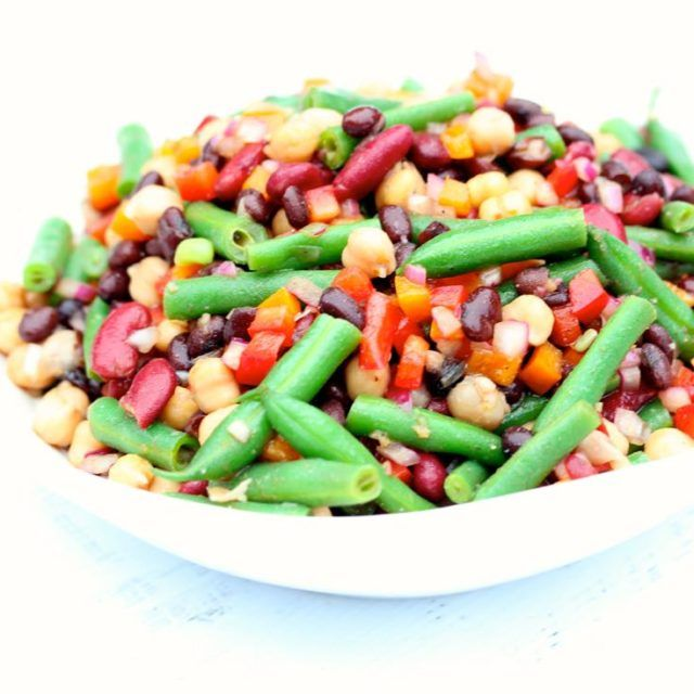 Clean & Delish Four Bean Salad #recipe #salad #cleaneating | www.cleananddelicious.com @danispies