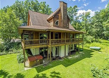 Deep Creek Lake Vacation Home - Avalon Golf & Ski is less than 2 miles from Wisp Resort. 5 Bedrooms, 3 Baths