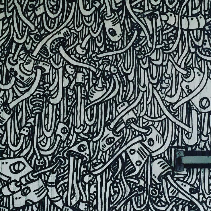 #graffiti #urban #art #urbanart #wallart #monochrome #blackandwhite #mural #donnersbergerbrücke #munich #münchen #tangled #complex